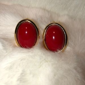 Vintage TRIFARI Red & Gold Oval Clip On Earring